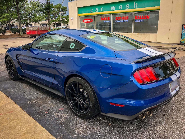 6A2E470E-04EB-43A5-8058-6913999975CC2017-Ford-Mustang-Shelby-GT350