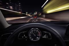 2017_Mazda3_interior_008