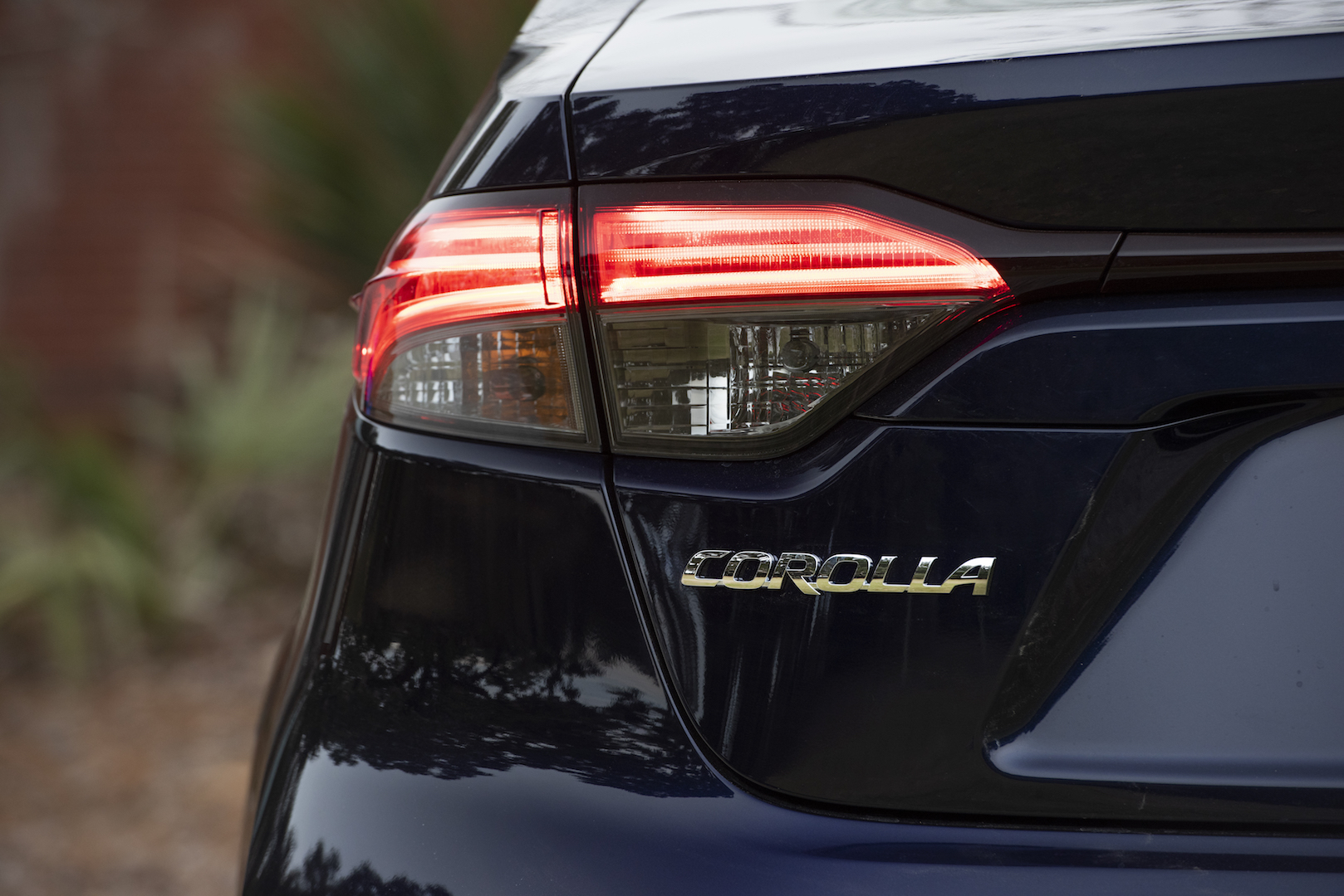 2020_Corolla_XLE_BluePrint_039_v1_current