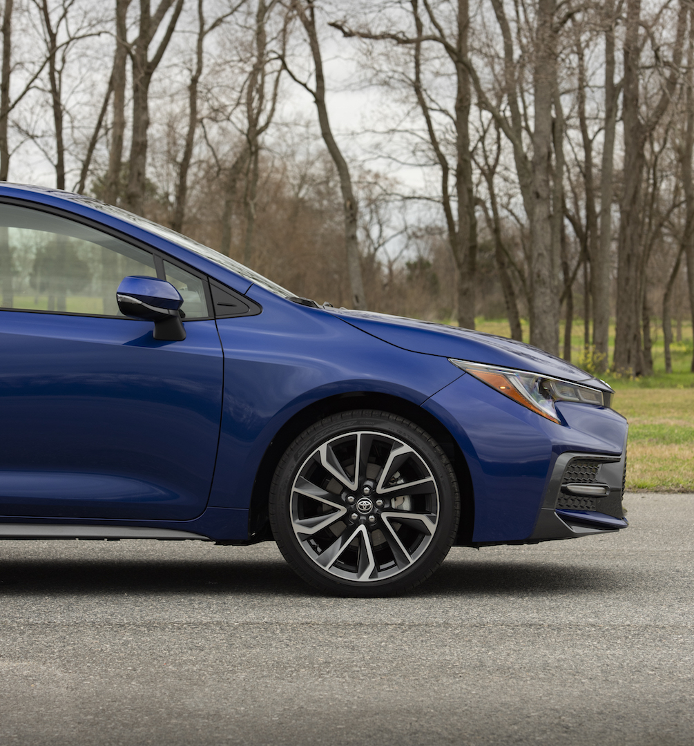2020_Corolla_SE_6MT_BlueCrushMetallic_015_v1_current