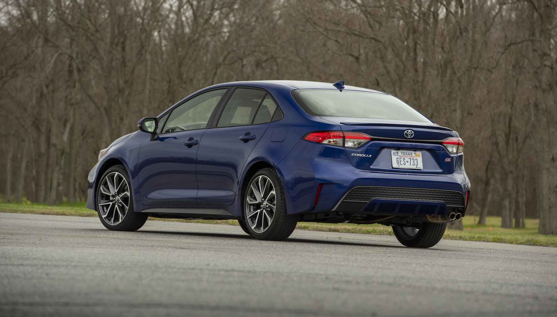 2020_Corolla_SE_6MT_BlueCrushMetallic_016_v1_current