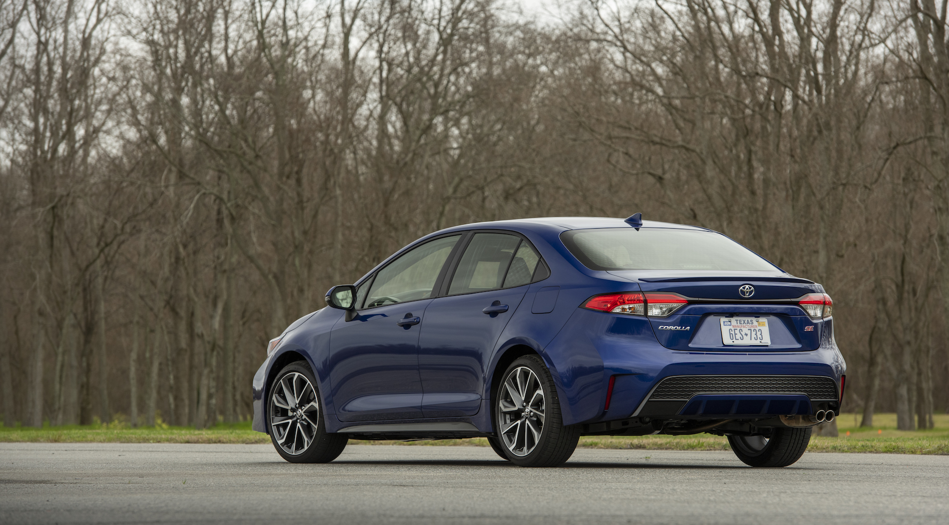 2020_Corolla_SE_6MT_BlueCrushMetallic_017_v1_current