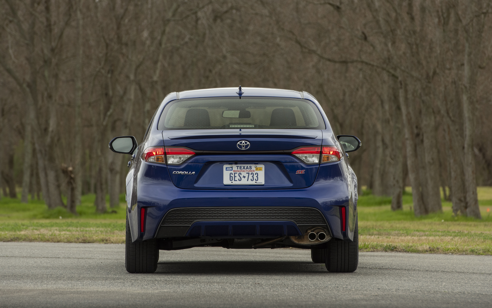 2020_Corolla_SE_6MT_BlueCrushMetallic_018_v1_current