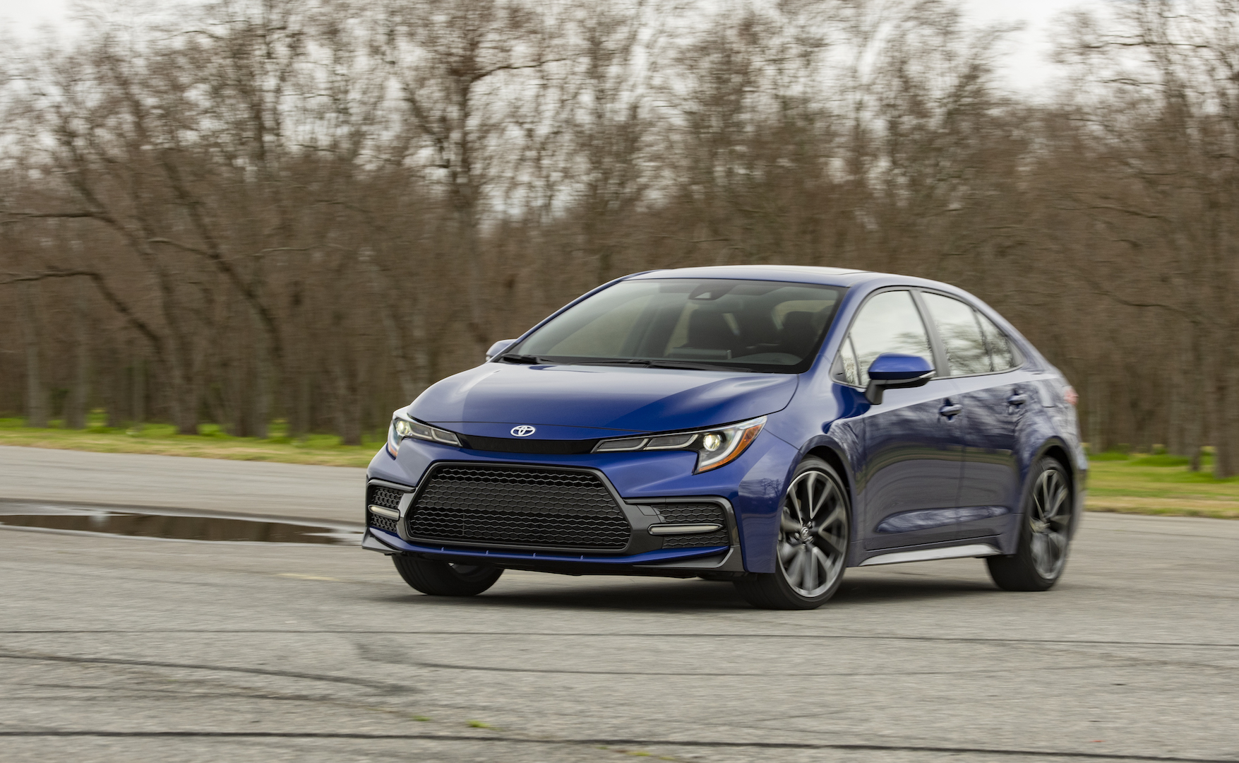 2020_Corolla_SE_6MT_BlueCrushMetallic_021_v1_current