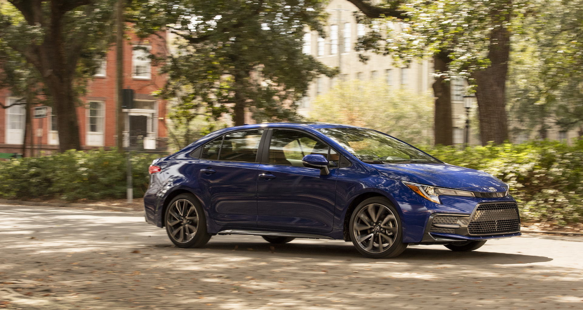 2020_Corolla_SE_6MT_BlueCrushMetallic_031_v1_current