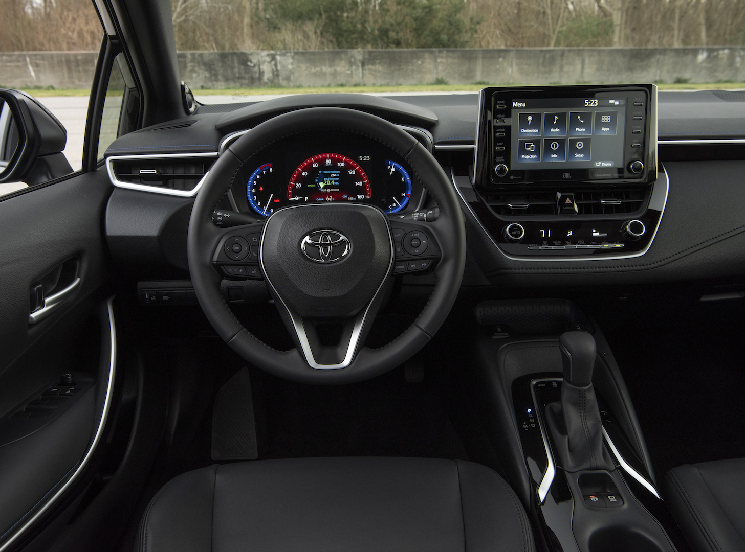2020_Corolla_XSE_BlackSandPearl_033_v1_current