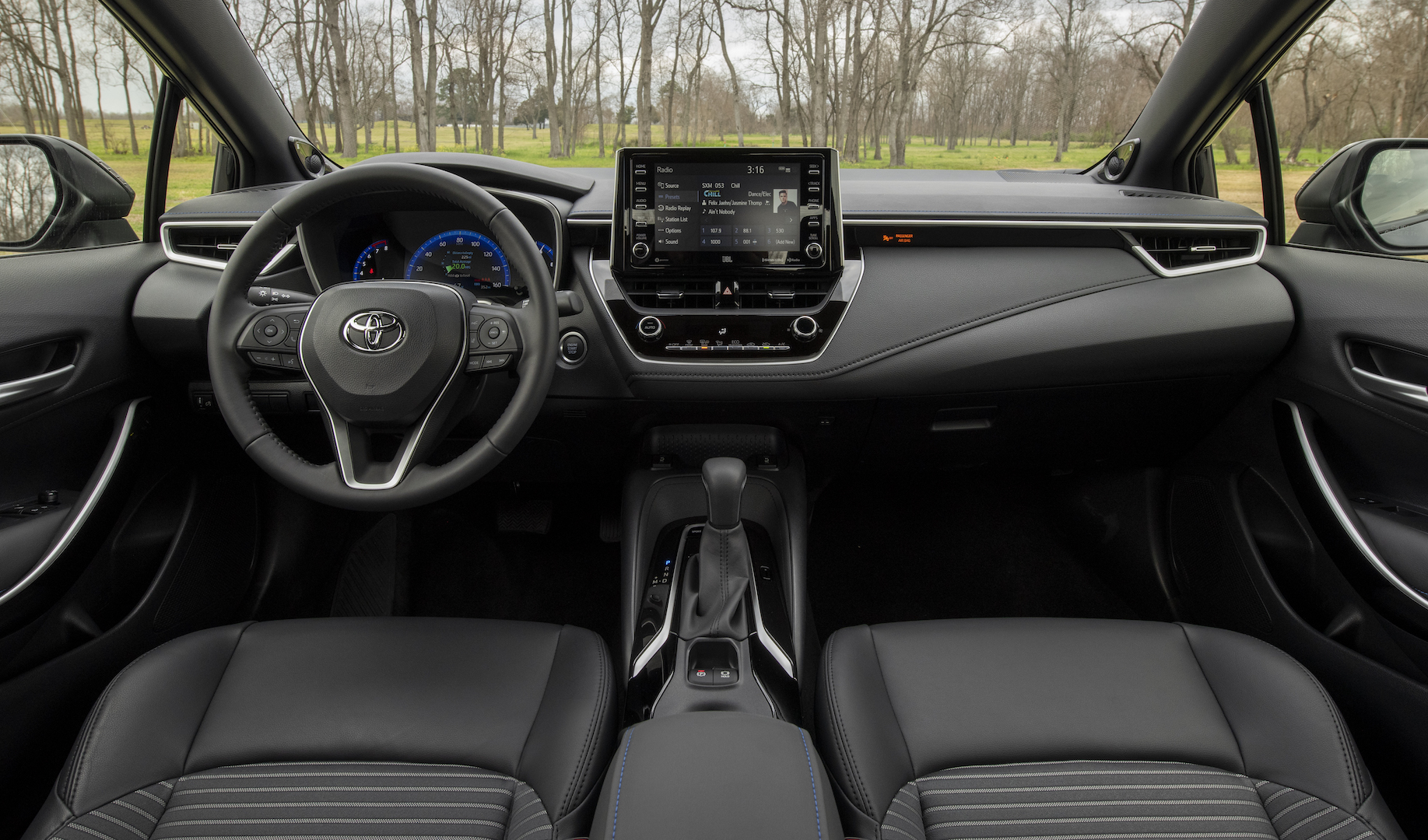 2020_Corolla_XSE_BlackSandPearl_049_v1_current